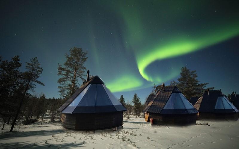 Домики для просмотра северного сияния в Финляндии